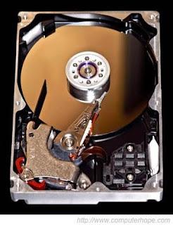 ما الفرق بين FAT32,NTFS,exFAT