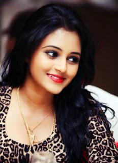 Dinakshi introduces her businessman-lover ... thus bringing rumours about Saranga to a close