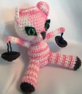 http://es.scribd.com/doc/48753455/Libra-Kitten