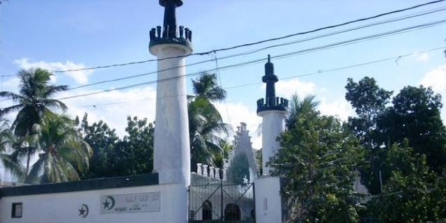 5 Masjid Ini Berdiri Kokoh Meski Bangunan Di Sekitarnya Hancur