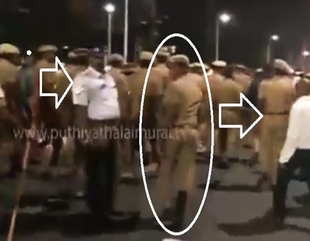 BreakingNews: Police Lathicharge on Youth Protesting for the Support of Jallikattu in Chennai Marina