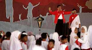 Rayakan Hari Anak, Jokowi Kenalkan Lagi Mainan Gasing