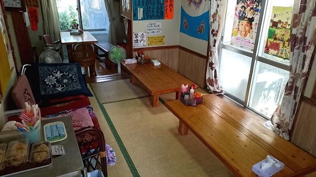 宮古そばとソーキそば専門店 田舎 安謝店の店内の写真