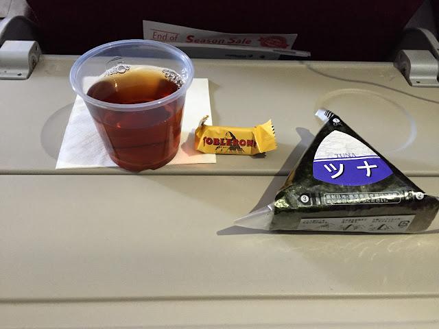 マレーシア航空エコノミー軽食 malaysia-arlines-flight-meal3