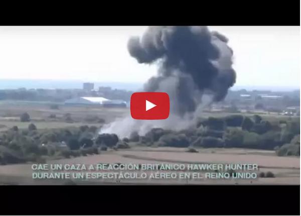 Avión Hawker Hunter cayó a tierra durante un festival aéreo en el Reino Unido