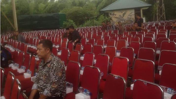 Acara Bagi Sertifikat Jokowi Sepi, CNN Gunakan Foto Ini