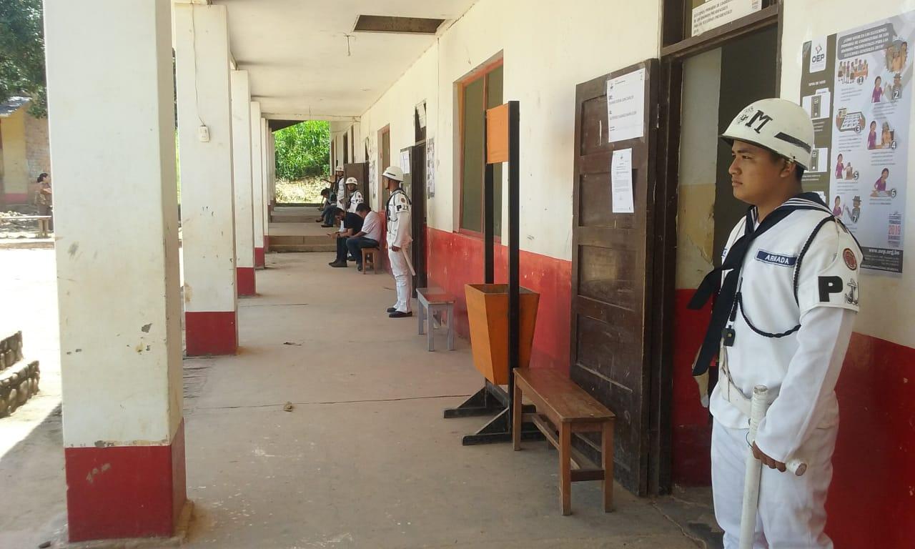 U.E. José Manuel Pando en Rurrenabaque vacía en media jornada de votación  / RRSS