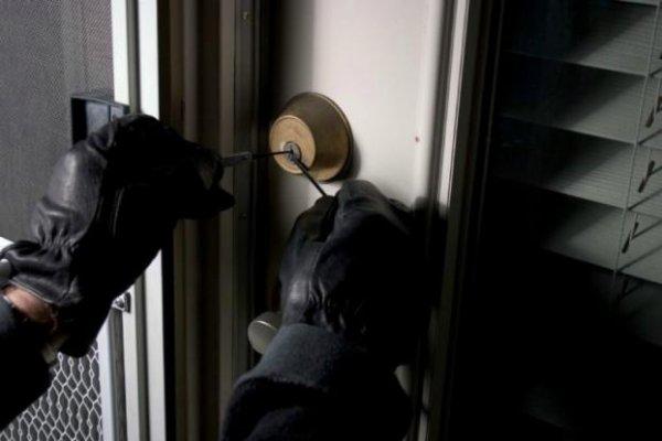 25 πρώην διαρρήκτες αποκαλύπτουν: Έτσι αφήνετε το σπίτι σας εκτεθειμένο