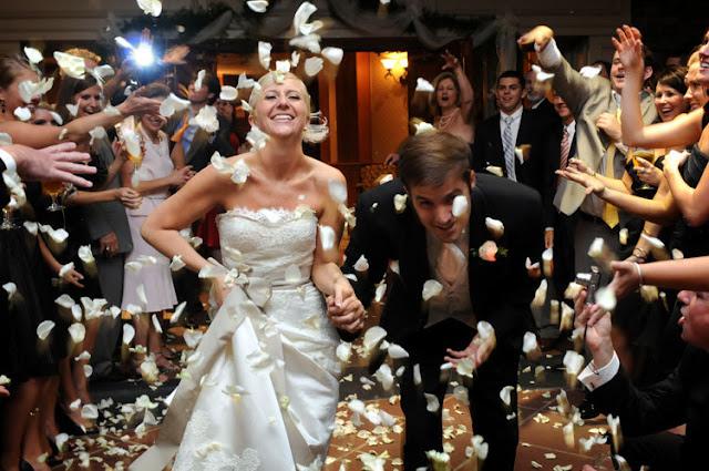 Wedding Tips – Wedding Reception Exit Ideas.