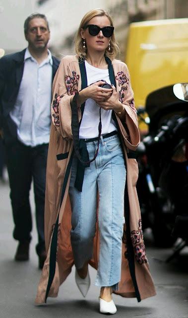2017, fashion trends, inspiracje, inspirations, moda, modny styl, trendy, trendy 2017, gorset, biżuteria, kolczyki, neony, pudrowy róż, porady stylistki, street style, szlafroki, płaszczowe swetry, narzutki
