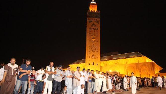بعد إضافة ساعة لهواتف المغاربة.. مساجد تؤذن لصلاة الفجر قبل وقتها