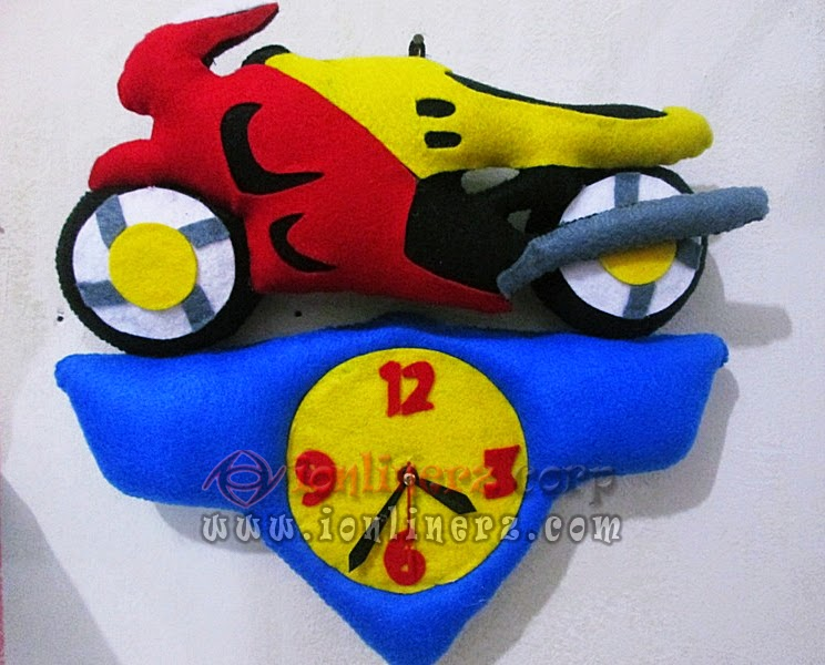 Jam Dinding Flanel Karakter Kartun Motor Balap
