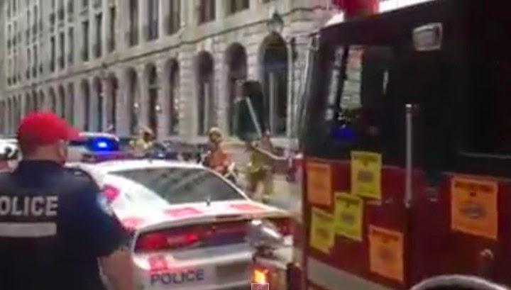 Πυροσβεστικό όχημα σπάει ότι βρει στο πέρασμα του! (βίντεο)