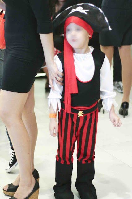 Boy wearing a Pirate costume