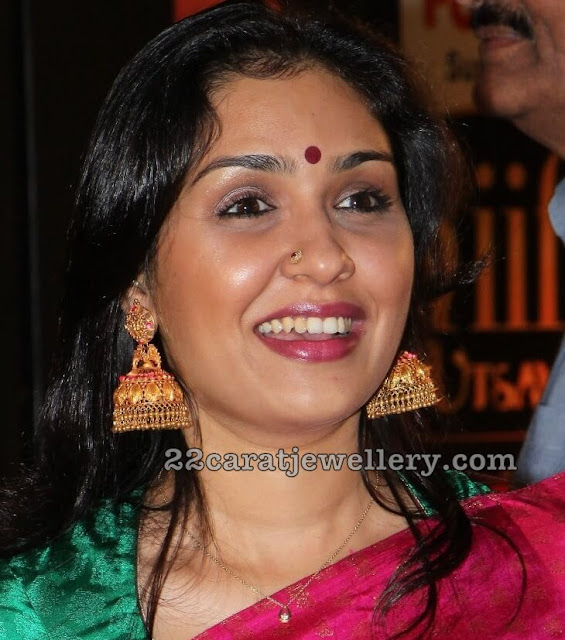 Top South Actresses in Temple Jhumkas