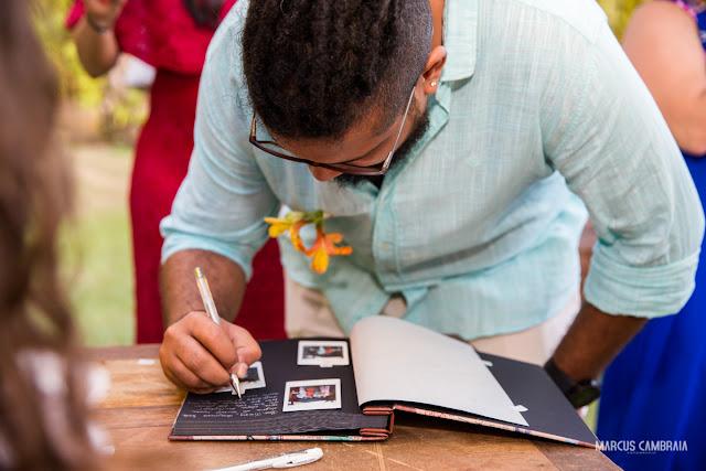 casamento no club med trancoso destination wedding na praia, livro  de assinaturas, polaroid