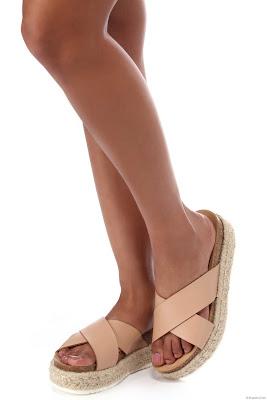 Sandalias con plataforma plana