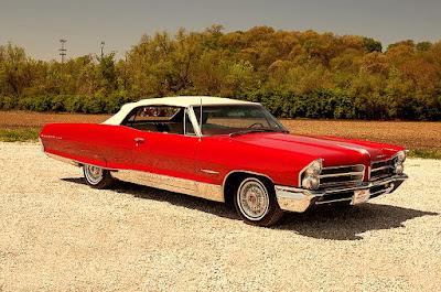 1965 Pontiac Bonneville Convertible Front Right