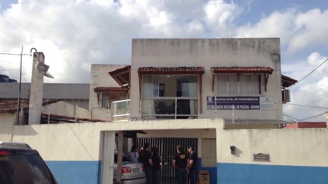 Homem é detido após furtar moto de delegacia em Goiana