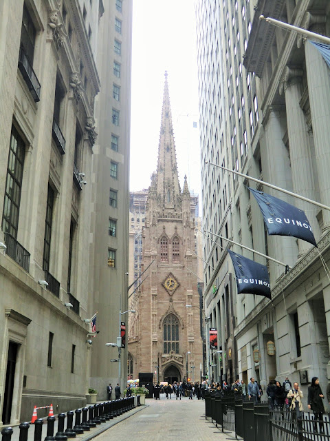 Trinity church financial district manhattan new-york