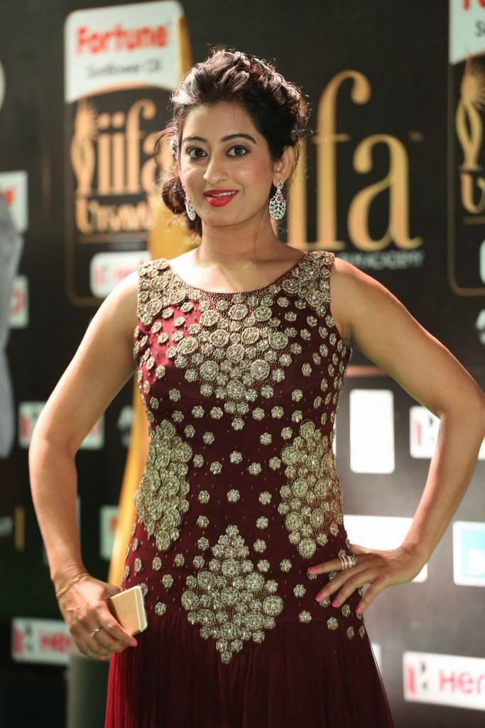 Indian Model Tejaswini Prakas At IIFA Awards 2017 In Maroon Dress