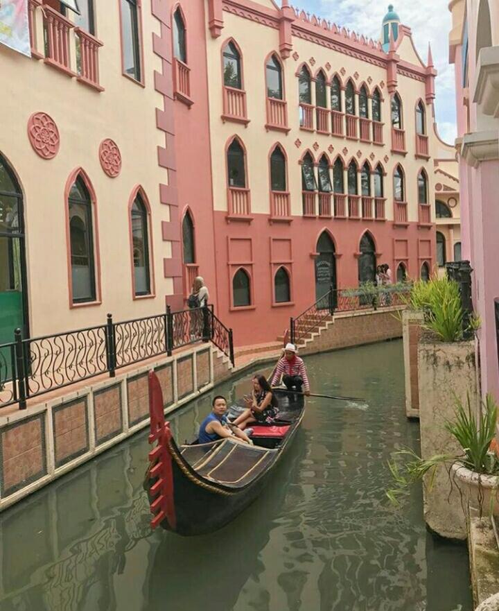 Little Venice Puncak Cianjur Tempat Wisata Layaknya Di Venesia