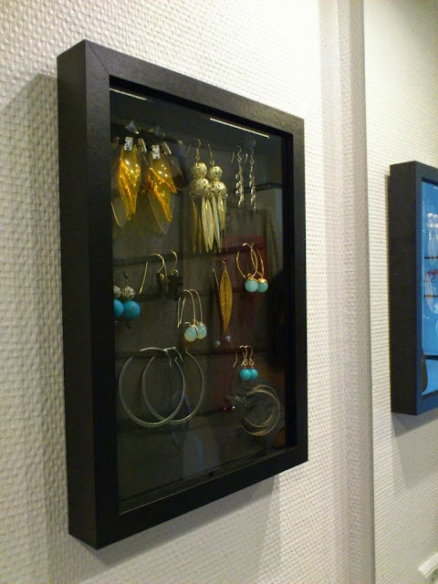 open and close earring display