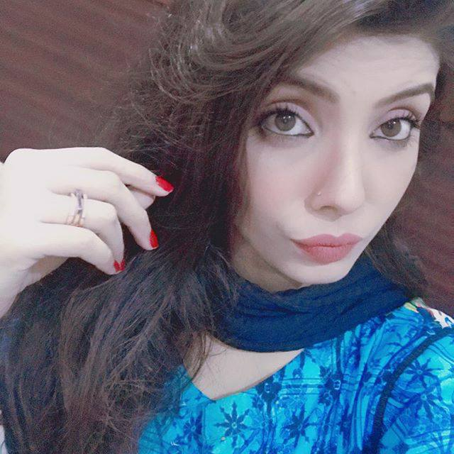 Jeeto Pakistan team member Fabiha Sherazi latest pics Fabiha Sherazi In Jeeto Pakistan,Fabiha Sherazi Viral on social media.Fabiha Sherazi have many followers on Instagram.