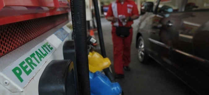 Para pengguna pertalite di kota Ambon mengeluhkan jenis bahan bakar minyak (BBM) tersebut stoknya habis di sejumlah Stasiun Pengisian bahan Bakar Minyak (SPBU).