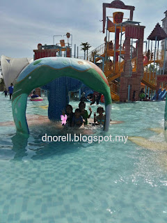 BlogDuraNorell - The Zizis and Me | Water Theme Park Gold Coast Malacca International Resort | http://dnorell.blogspot.my | dura.norell@gmail.com | Kelab Blogger Ben Ashaari KBBA9 | Blogger Malaysia | Parenting Blogger | LifestyleBlogger | PersonalBlogger | FoodBlogger | FoodReview | Travel Blog | Authorized Agent Dexandra Perfume | WAHM | Mompreneur