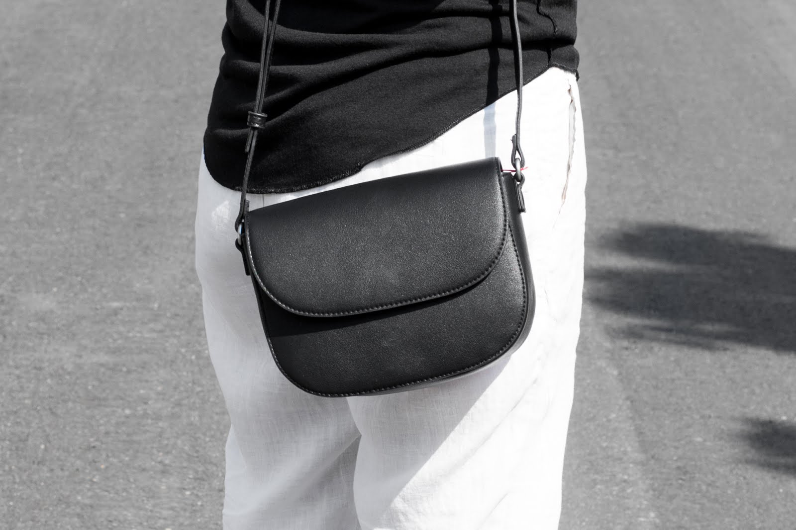 s.oliver, linen, black and white, outfit, sandals, plateau, minimalist, blogger, belium