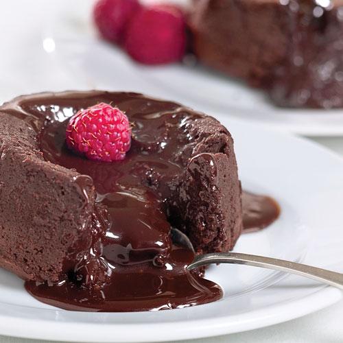 Molten chocolate cake
