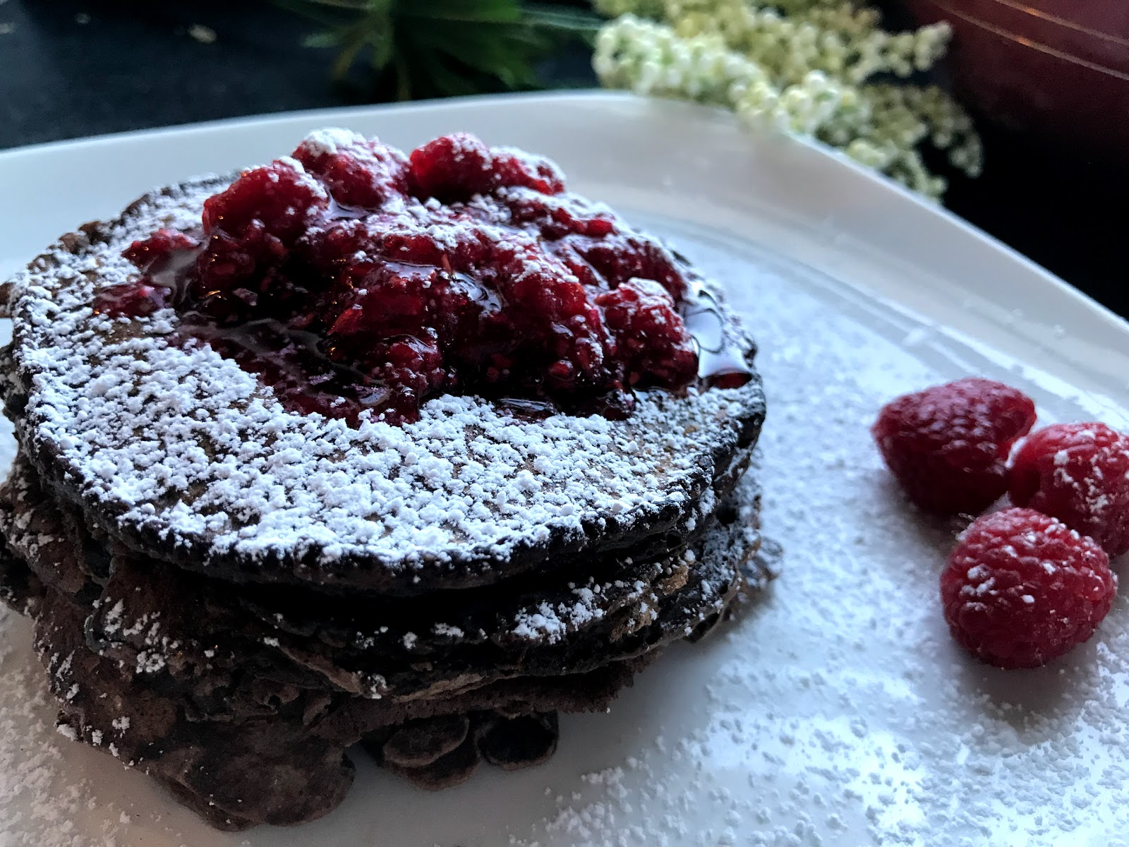 https://www.shobiskitchen.com/2017/11/chocolate-pancakes-with-raspberry-syrup.html