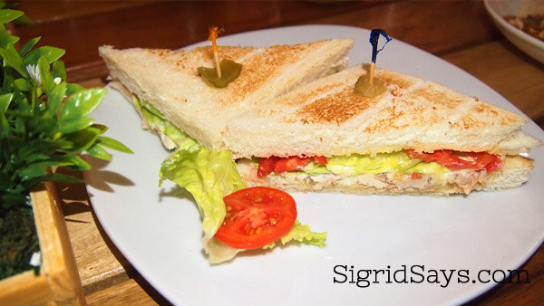 Roli's chicken sandwich - The Hostelry and Residences