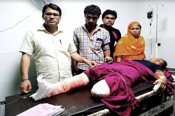 दो ट्रकों की भिडंत में कट गये कॉलेज छात्रा के दोनों पैर