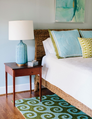 Swirly Ocean Wave Rug Bedroom