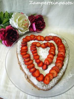 Torta di fragole a cuore - Ricetta con le fragole