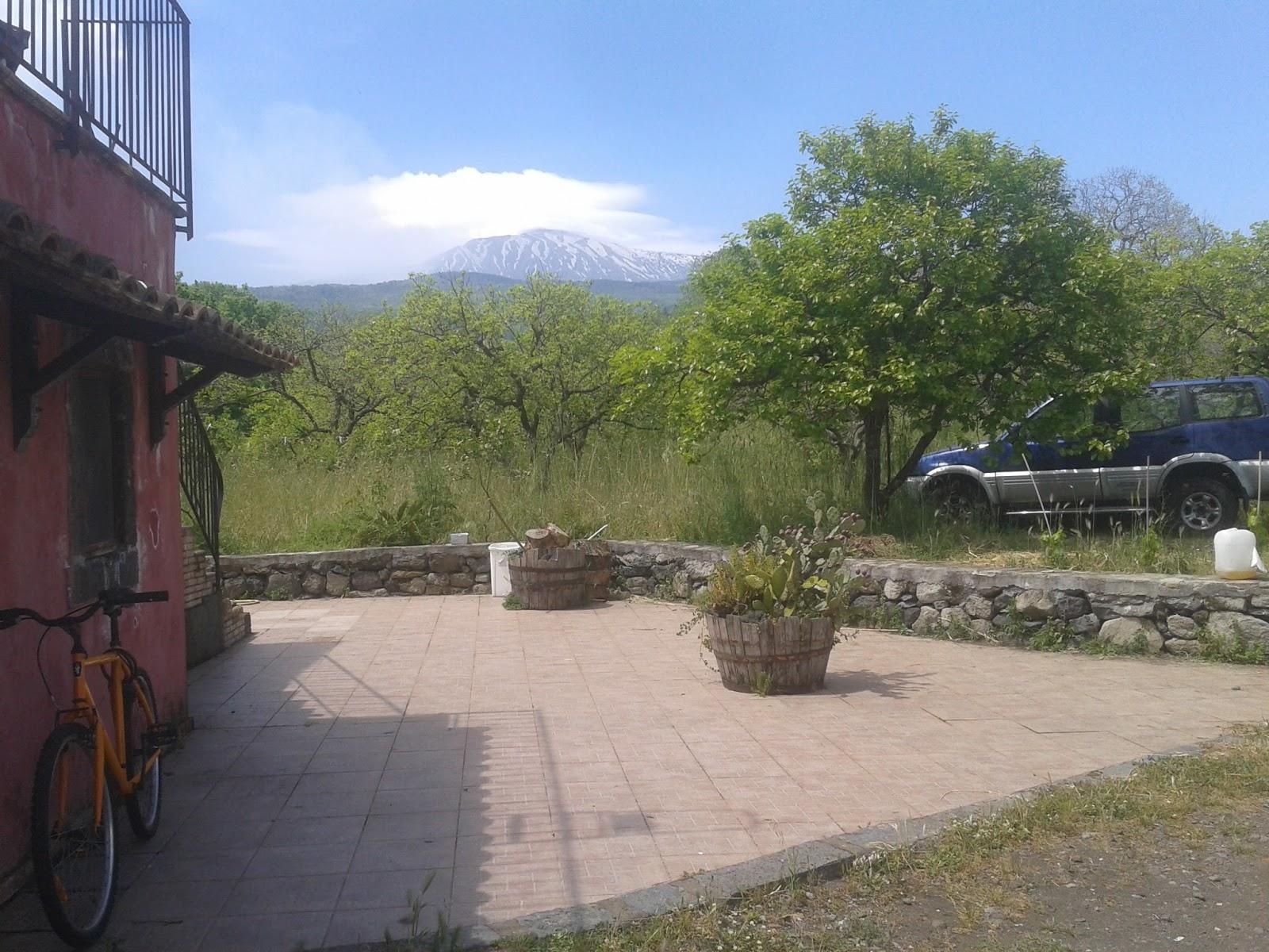 Agriturismo etna campeggio etna nord vacanze nel verde for Mini appartamenti arredati
