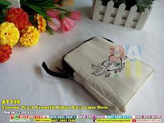 Souvenir Pouch Kosmetik Bahan Blacu Lapis Busa