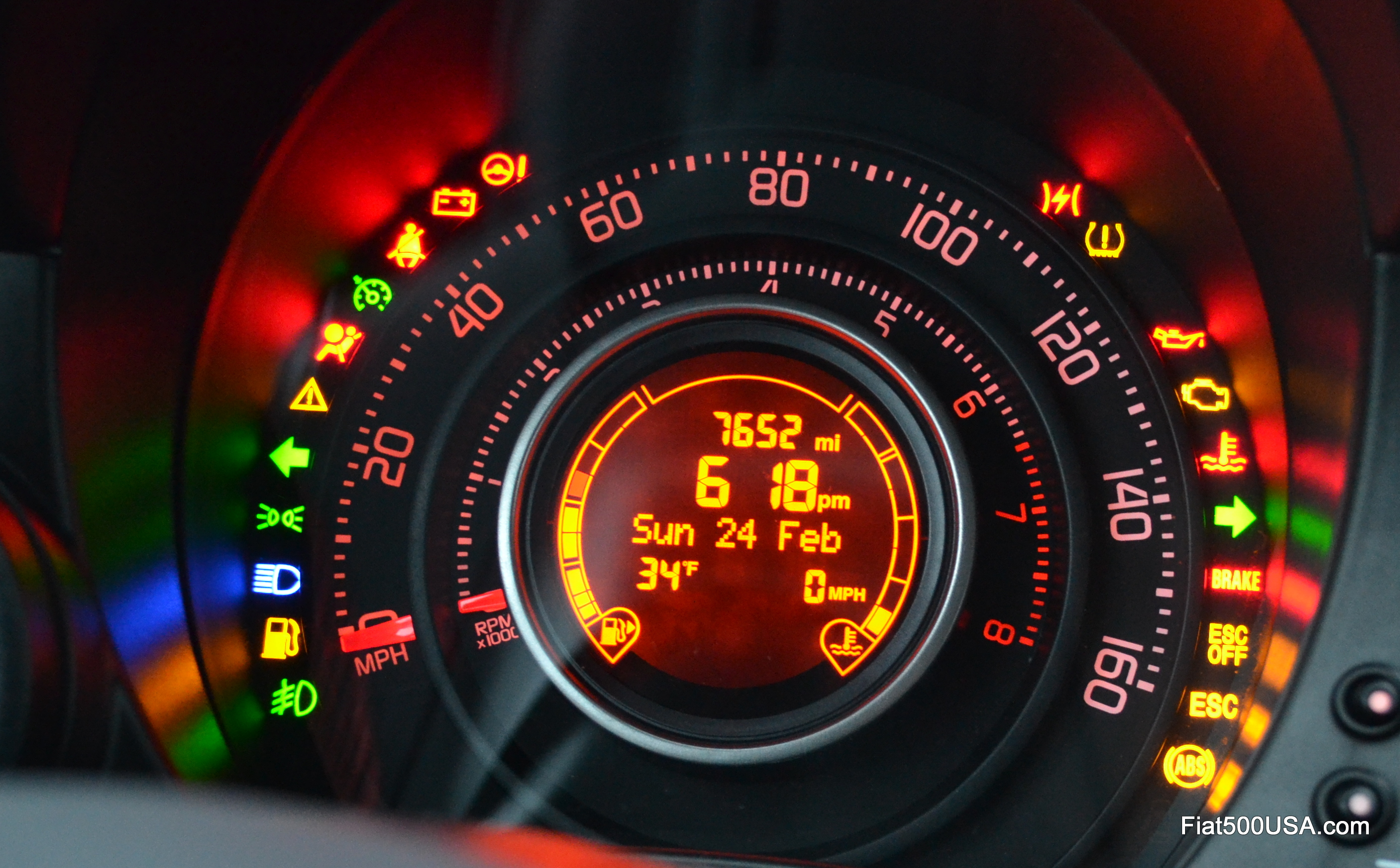 A look at the Fiat 500 Instrument Panel | Fiat 500 USA