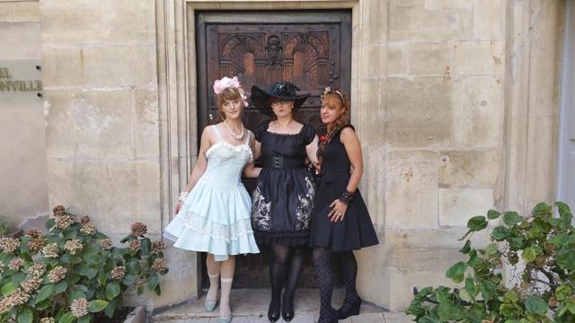 robes volumineuses - mode japonaise - ere rococo - epoque victorienne - attrait pour les arts japonais - comment porter le style lolita
