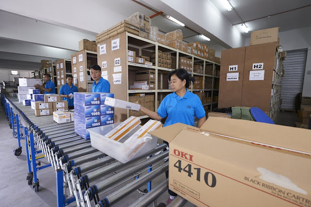 Atoz fulfillment team at work