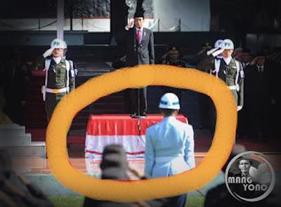 Presiden Jokowi Tak Injak Bendera Merah Putih