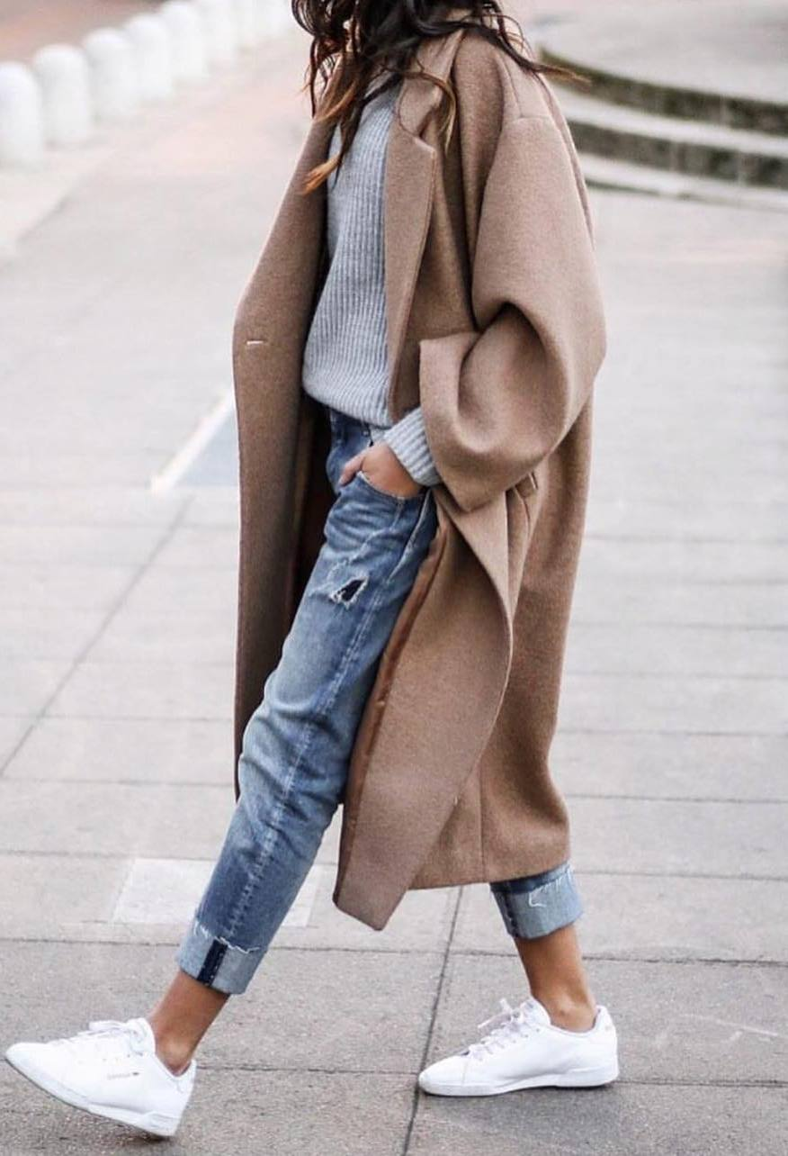 casual winter outfit / cashmere coat + knit sweater + boyfriend jeans + sneakers