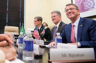 Ashton Carter: Δεσμευμένες οι ΗΠΑ στο Αφγανιστάν