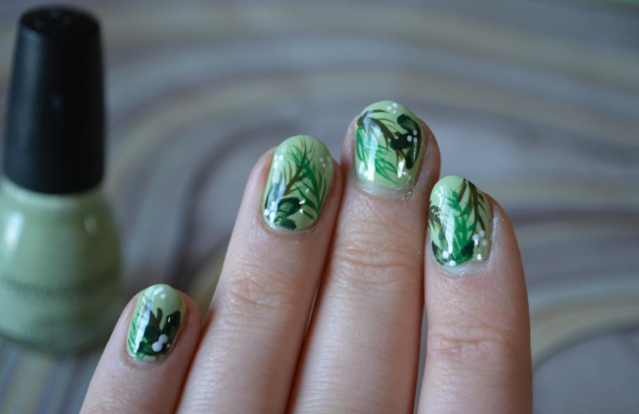 The Closet Historian: Spring Green Leaf Nail Art & Tutorial
