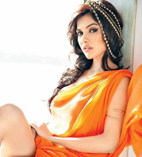 Sara Loren Hot Post - Bollywood Hot Actress