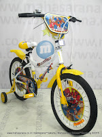18 United Meteor DC Super Friends Kids Bike