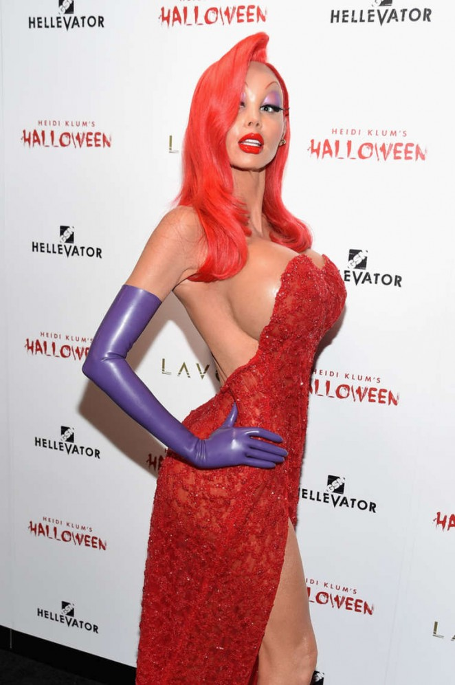 Heidi Klum turns sexy Jessica Rabbit for Halloween Bash