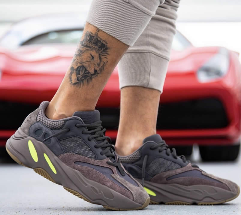 7fd14adc2 Yeezy Boost 700  Mauve  Wave Runner On Feet Outfit EE9614 - www.anpkick.com